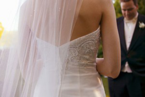 男方出150萬房子頭期款但女方還要求「多付30萬聘金」,女方說:「堂姊結婚時都有」