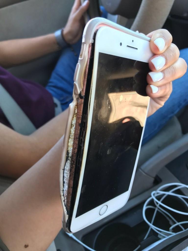這樣使用「頭旁iPhone 7冒出濃煙爆掉」蘋果緊急調查,蘋迷陷入恐慌「iPhone 7=Note 7」。