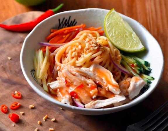 星巴克即將推出「7款新餐點」,首發「櫻花粉漢堡」已經激發排隊慾望!麵食會大排長龍!