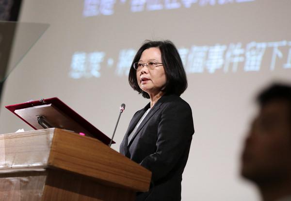 台灣借穿「大禮服」租約到了卻不付錢!學者證實:中國不許台灣再使用「中華民國」!