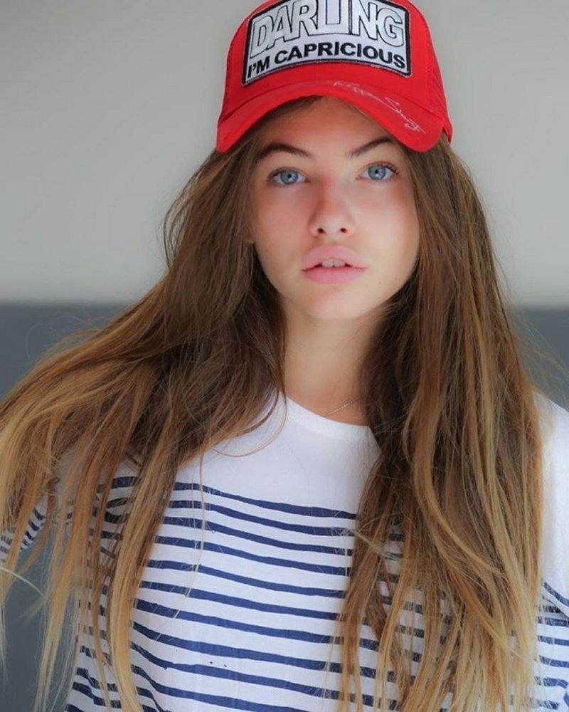 當年爭議不斷的「世上最美臉孔」小名模長大了!現在16歲「越來越甜美」讓人都戀愛了~