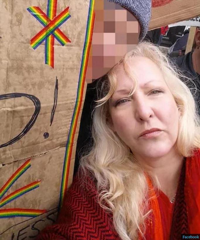 她跟前男友愛愛到一半「陰道不受控制狠咬GG」當場噴血!醫生:「5成婦女可能發生」。