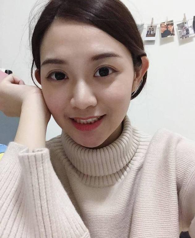 台灣最美女法警「惹火巨乳+超緊身制服」網路爆紅緊急關IG!粉絲哀號:「好想犯罪...」(7張)