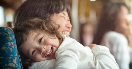 最新研究證實:媽媽愈年長,生下的小孩有這幾種「更優秀」超能力!