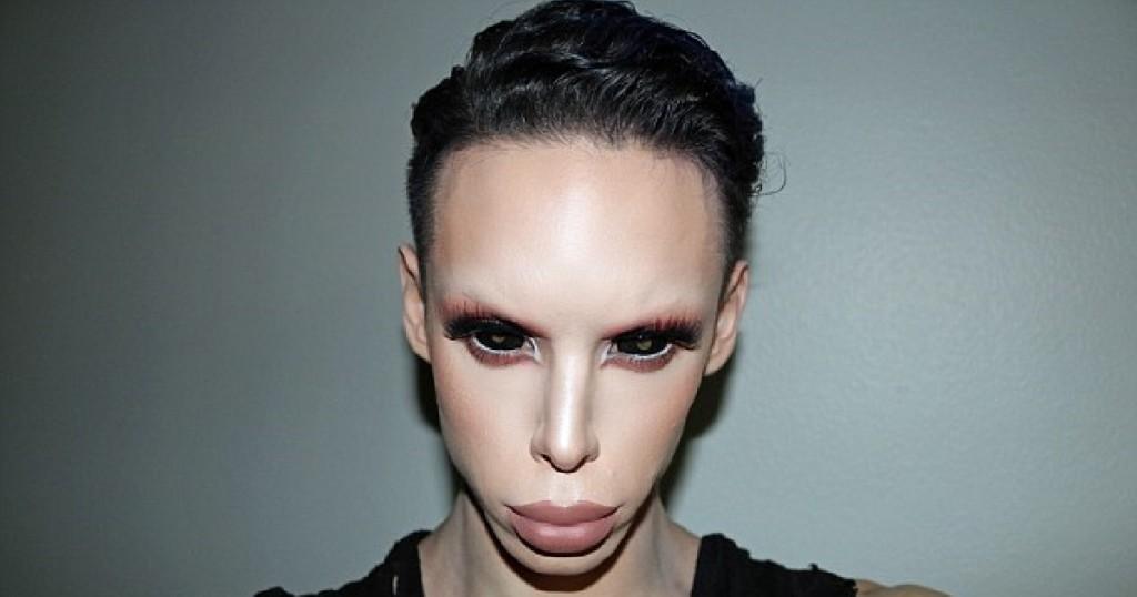 他花500萬做110次手術把自己變成外星人「連性器官都變成外星」,還預言多年後有更多「這種新人類」!(15張圖)