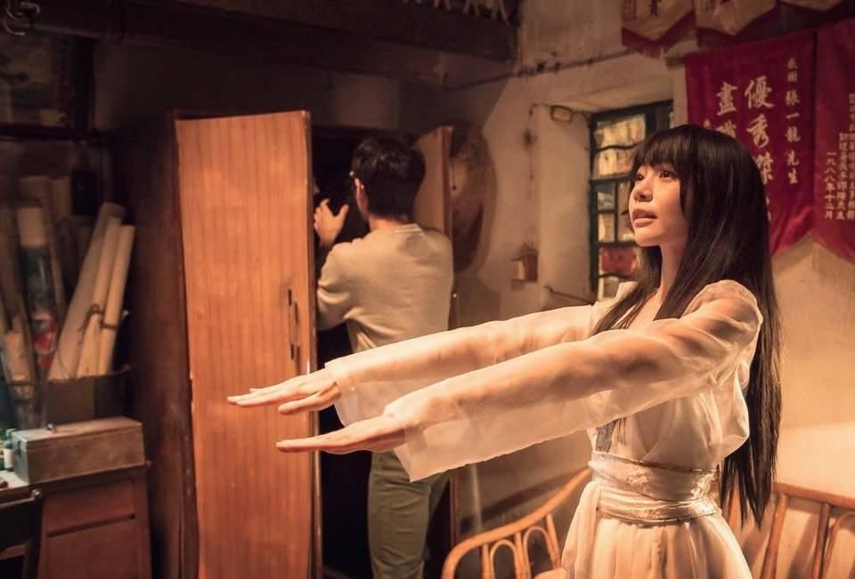 林明禎「32E」太過誘人,讓77歲港星都忍不住說:「該安排我在棺材裡搞她!」