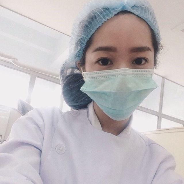該拔智齒了!12張「戀愛系極品正妹牙醫師」照,#2口罩拿掉「根本就是潤娥」!