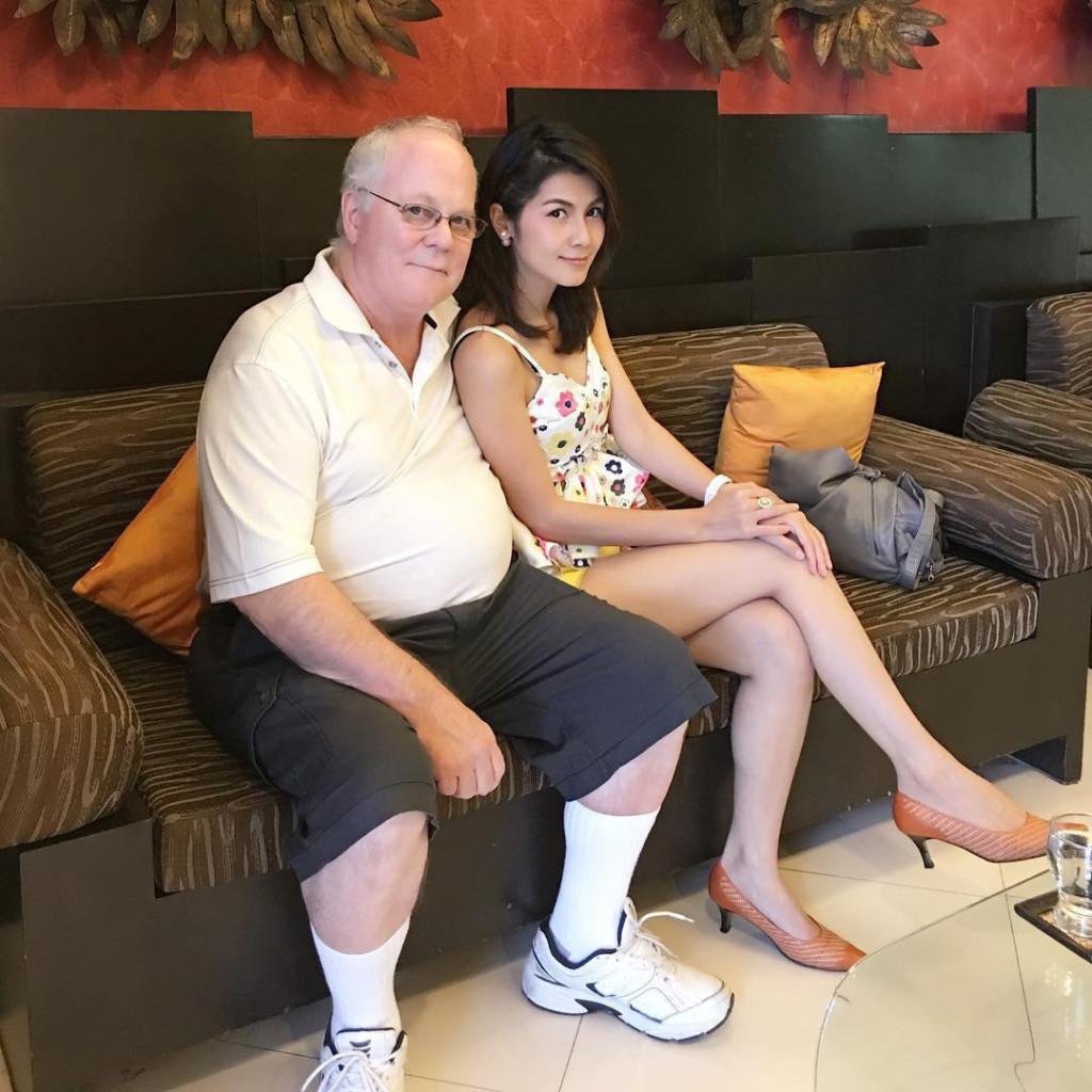 改信佛教泰國女優5年前嫁給老富豪「不肯愛愛」,現在宣布離婚「胸部加碼」復出!