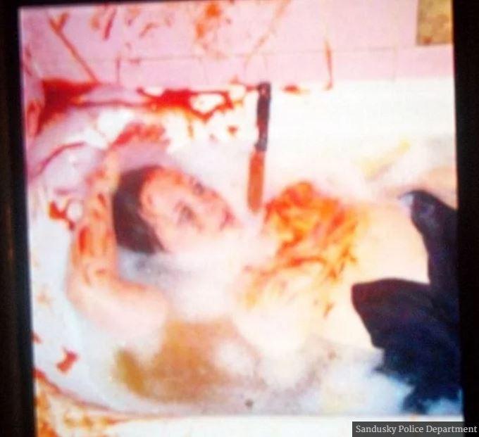 男子惡作劇過頭「在浴缸殺死女友」傳照向家人求救,警方逮捕後他坦承:「我搞砸了...」。
