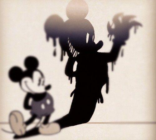 法國迪士尼今年來已經「兩名員工自殺」,員工死前痛苦留言:「不想再為米奇工作」...