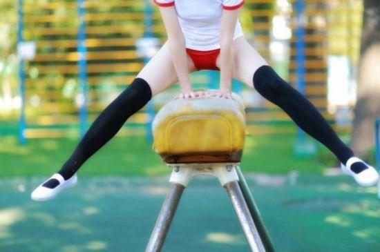 為什麼日本女生上體育課必須穿「超短走光褲」?緊身短褲教授專業解答「利益糾葛」!