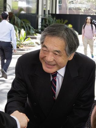 66歲「變態日本富豪房東」裝針孔偷拍房客愛愛!「超專業神秘色色片視聽室」曝光收藏超多!