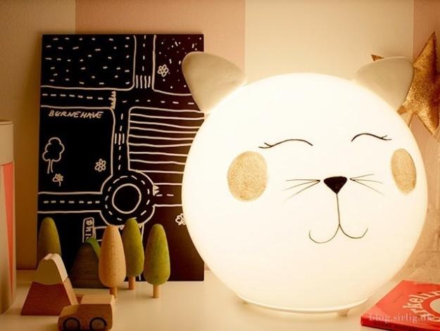 Turn a Fado lamp into your snuggliest buddy.