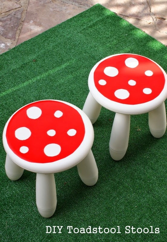 Level up by making toadstools with the Mammut and contact paper.
