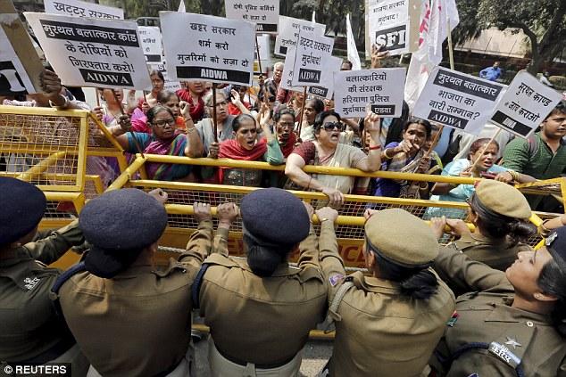 印度醫生「以為她死亡」送去火葬,24歲女子被火化「活活燒死」背後藏著可怕陰謀...