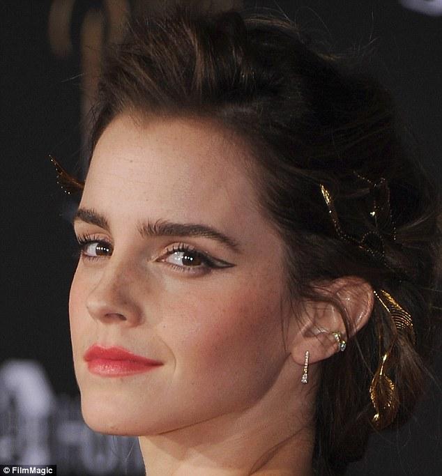 艾瑪華森透露「每天用這個滋潤陰毛」公開私密保養方法,問她為什麼透露她嗆聲:「人們太虛偽!」