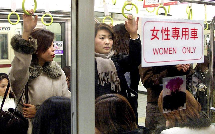 28個證明男女不平等的「男生永遠不用擔心」女性痛苦事!#23被性騷擾活該?!
