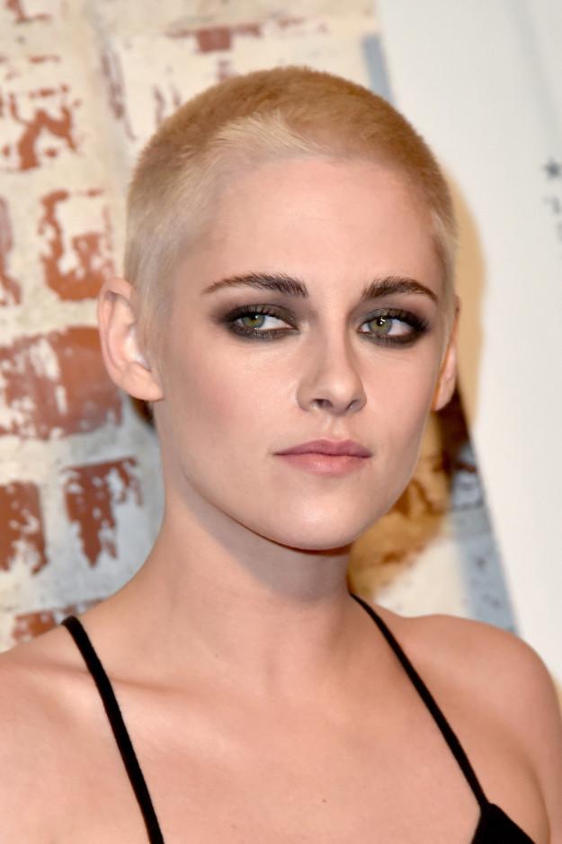 Hot fact of the week: Kristen Stewart cut her hair.