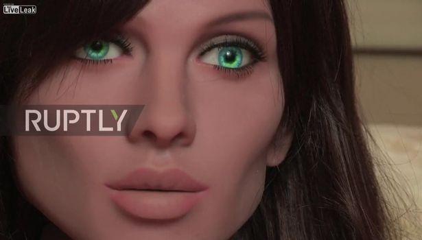 能與人互動「高AI愛愛娃娃」問世。喜歡被摸還有不同性格能在「家庭或性感」模式間變化!
