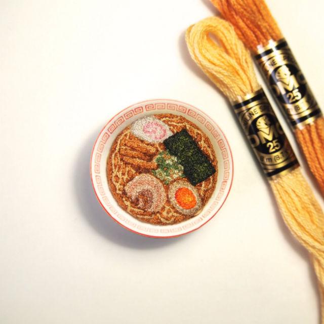 18個逼真到你會忍不住咬一口的「美味手工刺繡作品」...壽司捲太犯規了!