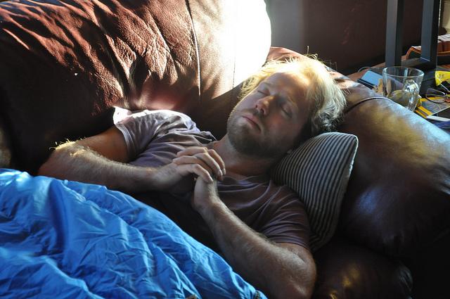 睡覺睡到一半「在不同時間醒來」背後都有重要意義。你如果在3 5AM醒來「那就恭喜你了」!