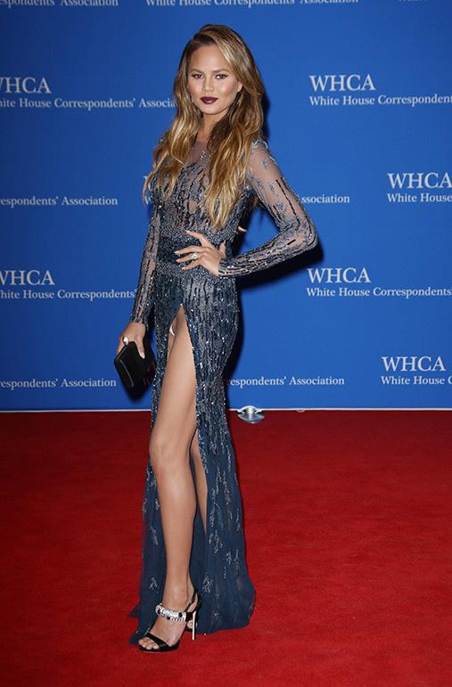 25個好萊塢巨星不小心走光「春光乍洩害羞照」!#26賽琳娜居然沒穿...