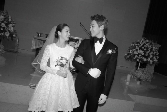 豪門出身滿分畢業的她是「零整容第一美女」,婚禮卻簡樸到只花37500元!