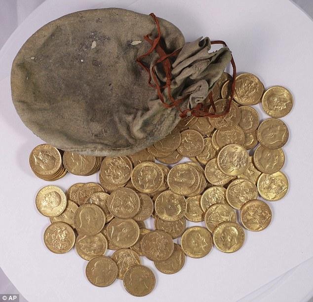調音師鋼琴內找到一袋古金幣,「改變生命的財富」4月20前找主人!