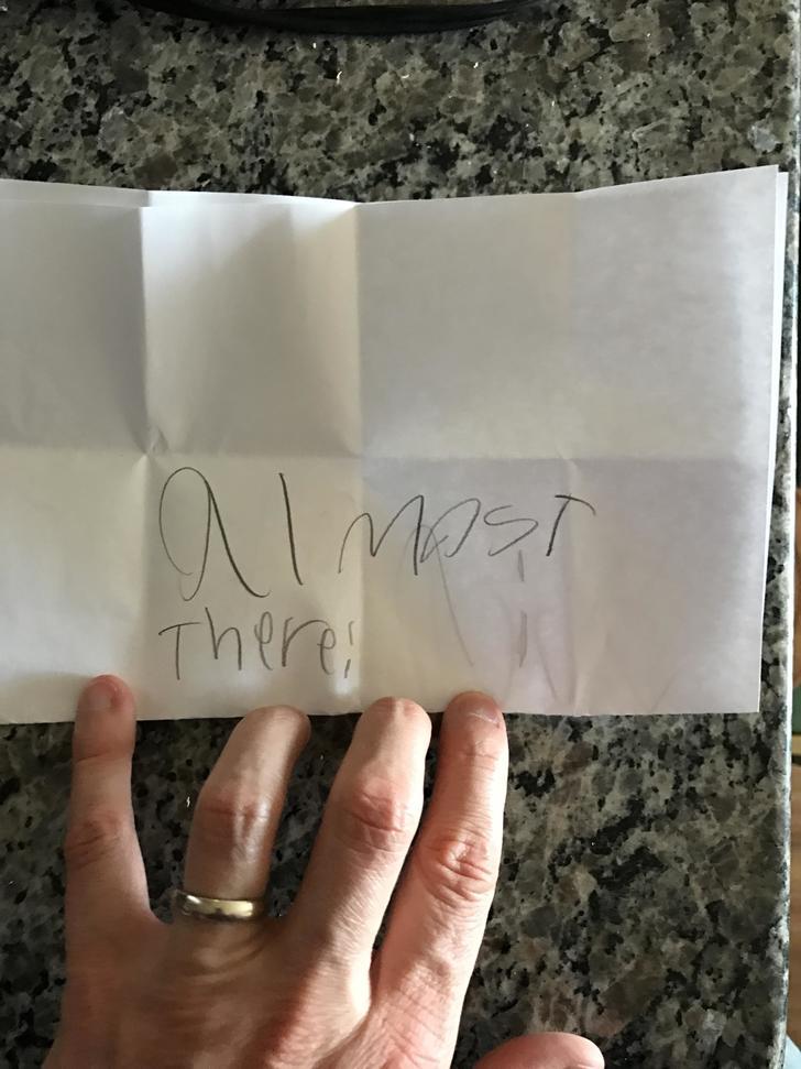 爸爸:女兒忽然把這個給我 (有點擔心)。翻開4層最後感動到想多生幾個!