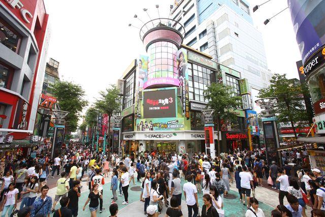 日本觀光客來台指定買「又硬又佔空間土產」 網友一看笑到崩潰:不要害外國人!