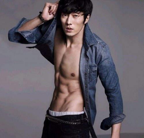 10大讓人鼻血狂流的網友最愛「亞洲大肌肌型男」排名大公開!台灣男星也有上榜!
