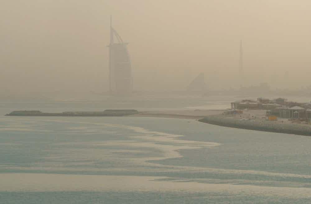15個杜拜不敢讓旅客看到的「華麗背後比石油更黑暗」慘痛現實