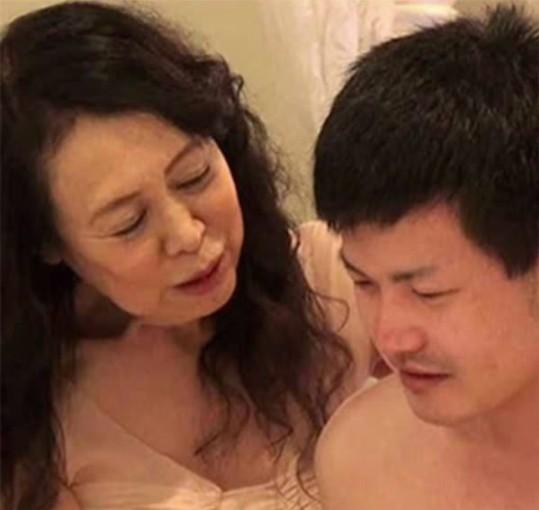 日本色片界「最年長女星」帝塚真織宣布引退,因為每個跟她愛的男星都讓她不滿意!