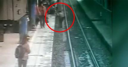 火車就要來!老翁「重摔落軌」爬不起來,5高中生立刻「捨命跳軌」救人9萬人狂讚感動!(影片)