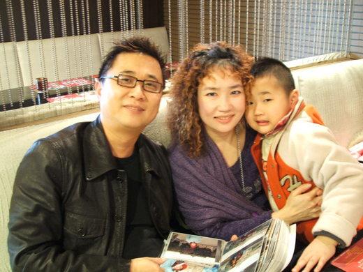 藝人邰智源兒子學測74級「4冠王」超猛!邰智源驕傲:「從2歲開始給他看這張」教出學霸兒子!
