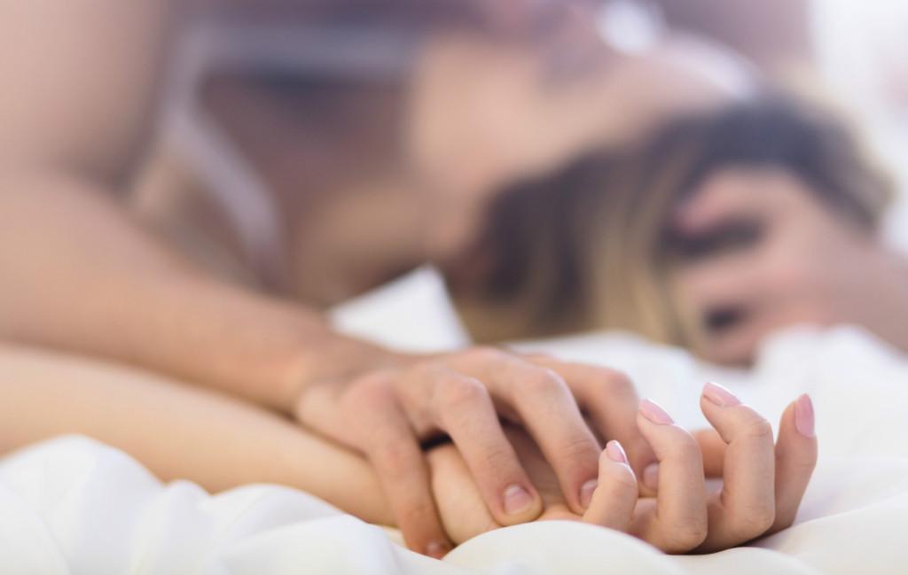 愛愛持續多久最棒?性愛學家揭露「爆炸高潮愛愛」必備3大關鍵!