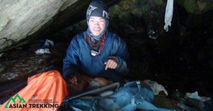 搜救隊還原「搜救台灣情侶」過程,「禿鷹盤旋」協助找到在瀑布洞穴的他們。他對著屍體說...