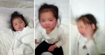 狠父上傳「虐童影片」30秒內瘋狂賞5歲女兒「100次巴掌」!就為了逼前妻就範!