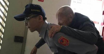 百歲老先生鬧脾氣不願上樓,僵持4小時被警員「當你孫子」征服!