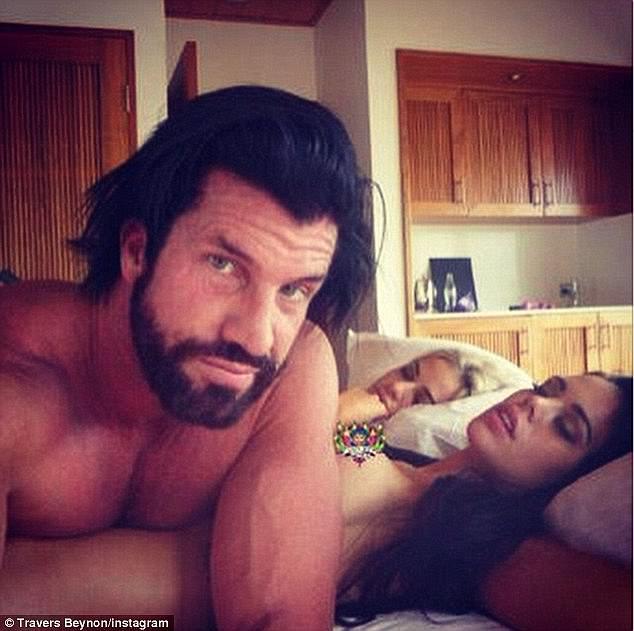 大富豪「每晚至少睡4女人」老婆100%支持!把女人像狗一樣「每晚還要想新姿勢!」(14張圖+3影片)