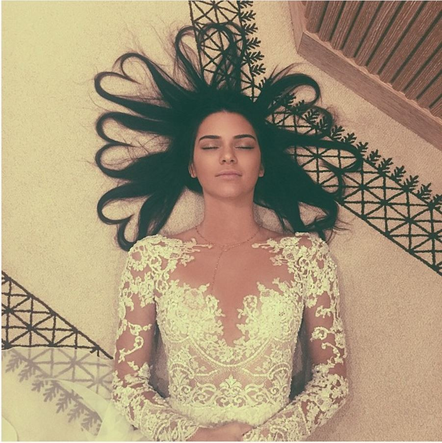 7種「頭髮溼溼就去睡覺造成的」超巨大影響 再懶惰下去頭髮就掉光!