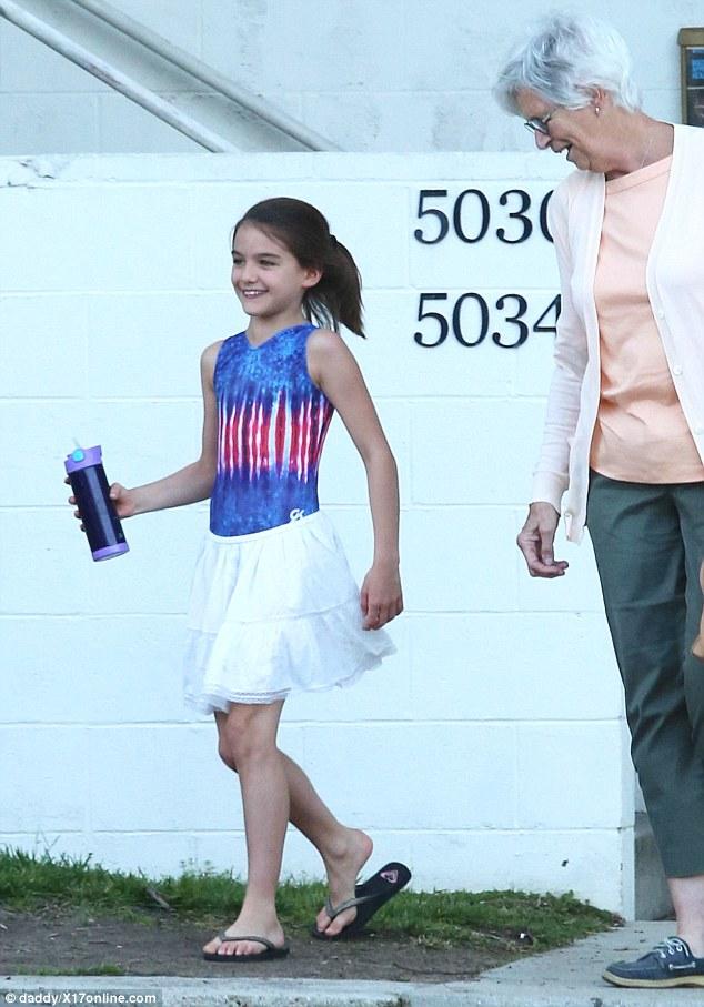 湯姆克魯斯的女兒雖然才11歲,但已經美到讓其他女生都走投無路了!