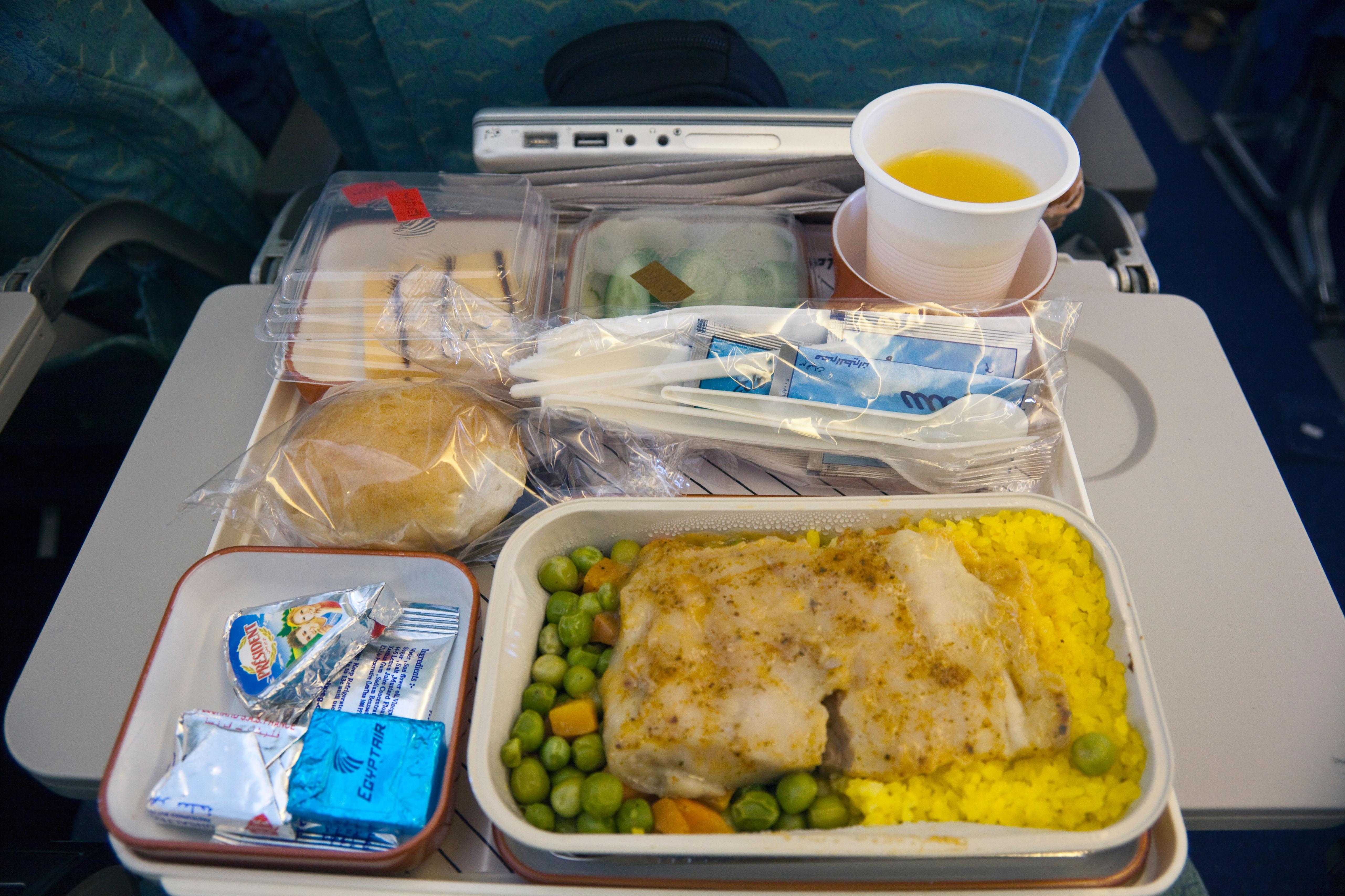 地獄廚神一輩子都不碰「飛機餐」航空業做10年:我知道食物的來源與去向