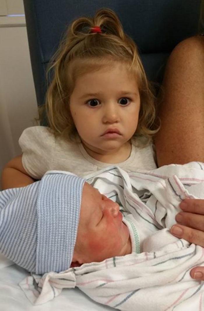 30個閉著眼都看得出「超級不想要弟妹」的超爆笑哥哥姐姐!