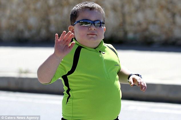 怪病體重不可能減下來!8歲童只能靠「鐵人三項」續命!願望:能活過20歲!