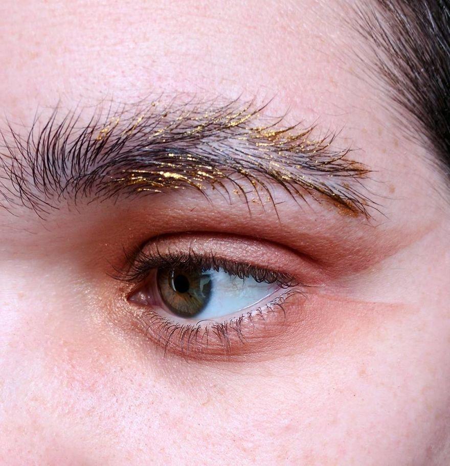 眉毛也要中分!外國當下最夯「羽毛眉毛」引起模仿潮,超扯但看完後你會愛上!(10款)
