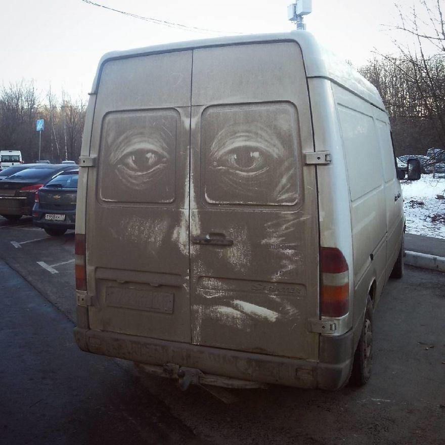 這些車主的車被「毀容」,但他們看到時都愛到不肯洗車了!(9張)