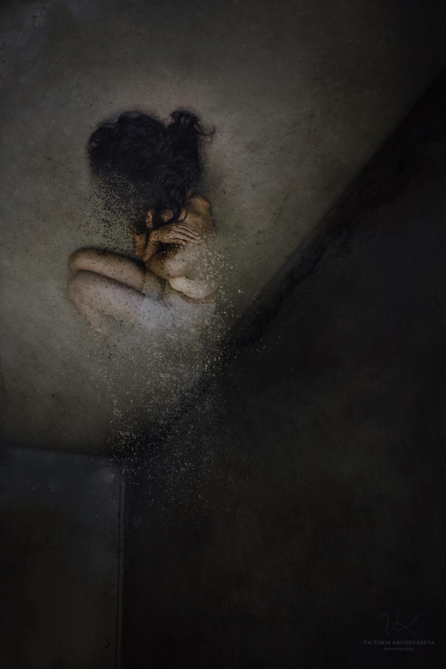 憂鬱症沒人懂!她用最暴力黑暗的方式強迫你一次看懂!(8張)