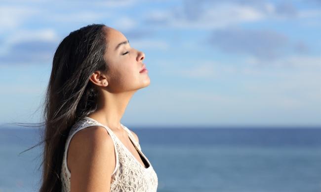 9個讓你不會到了40歲就骨骼出問題的「擁有完美健康體態」超簡單小撇步。#9呼吸也能變漂亮!