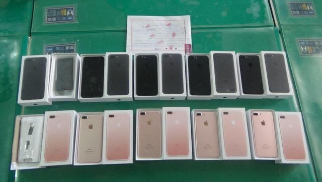 女子10萬元便宜購買「12隻iPhone 7」,打開「超閃」氣到想哭!